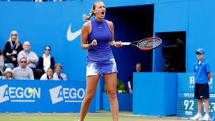 Petra Kvitova celebra un punto durante la final