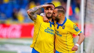 Livaja celebra un gol con Jesé la pasada temporada