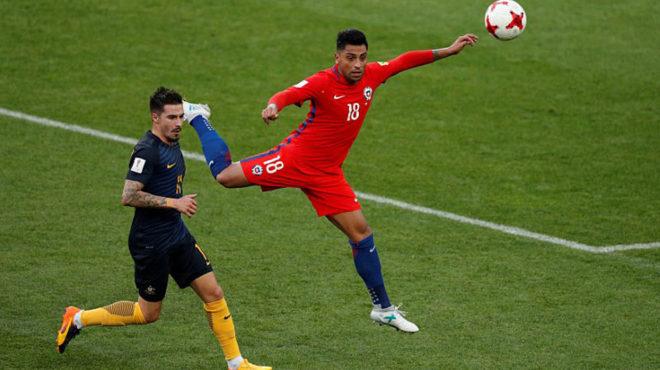 Gonzalo Jara salta ante el australiano Maclaren.