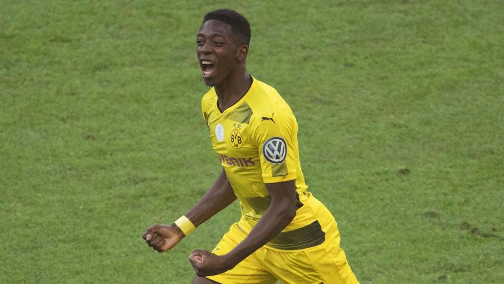 Dembélé celebra un gol con el Borussia Dortmund