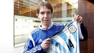 Alan Brandi con la camiseta de la selección argentina