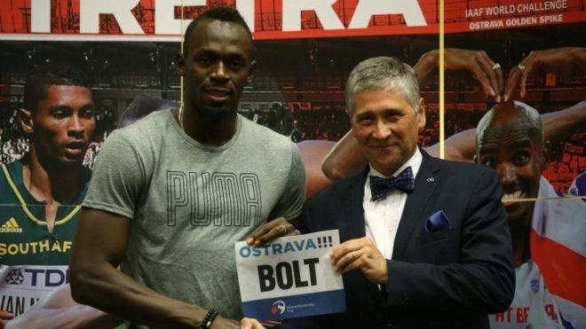 Usain Bolt con Ivo Vondrak, en la presentación de la Golden Spike de...