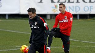 Lucas y Simeone en un entrenamiento