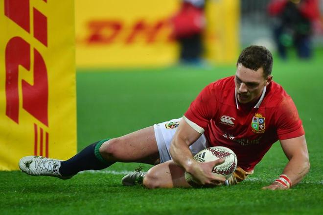George North anota un ensayo ante Hurricanes en el Westpac Stadium