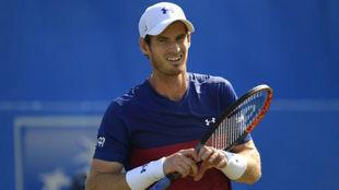 Andy Murray durante un partido en el torneo de Queen's.