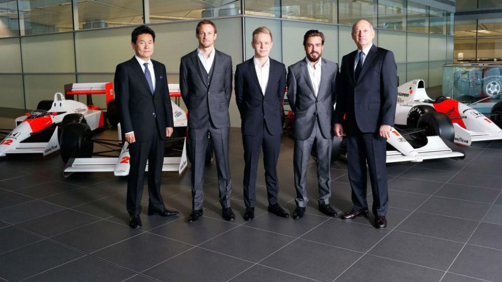 Arai, Button, Magnussen, Alonso y dennis, en la presentaci�n del...