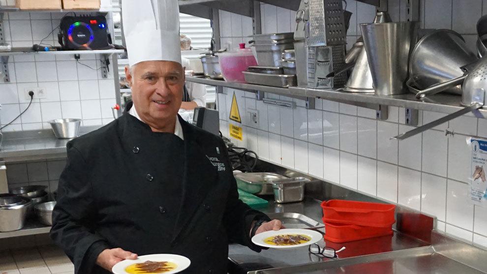 Arbizu posa para MARCA en la cocina del hotel de concentración de...
