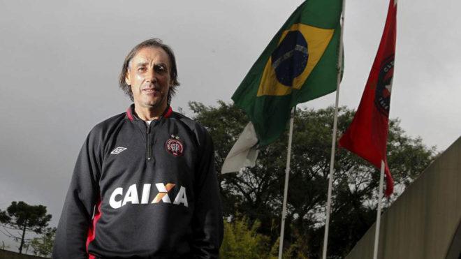 Miguel Ángel Portugal, en su etapa como técnico del Atlético...