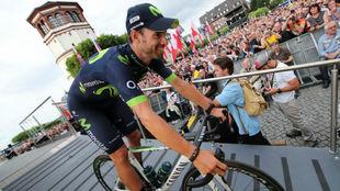 Alejandro Valverde durante la presentaci�n del Tour en D�sseldorf.