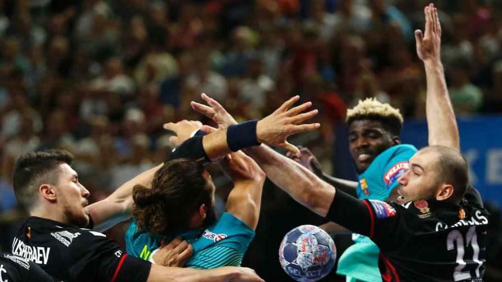 Lance del encuentro entre Barcelona y Vardar en la Champions League.