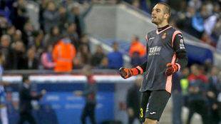 Pau L�pez, en un partido con el Espanyol