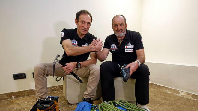 Juanito Oiarzabal con Alberto Zerain