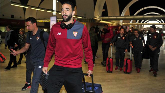 Adil Rami, en el aeropuerto de San Pablo.