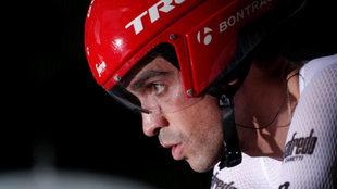 Alberto Contador, antes de comenzar la contrarreloj.
