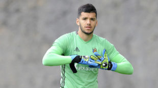 Rulli (25), durante un entrenamiento con la Real Sociedad