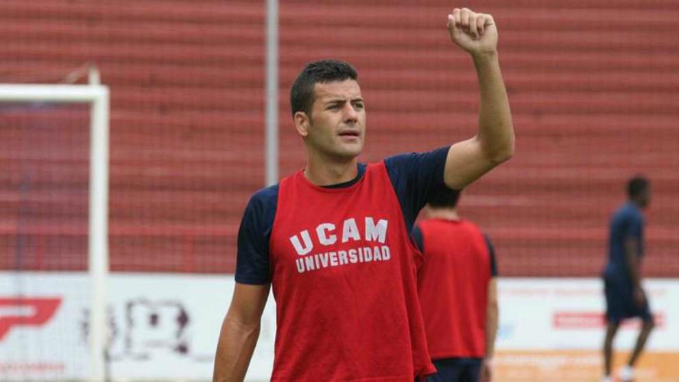 Fran Pérez, durante un entrenamiento con el UCAM Murcia.