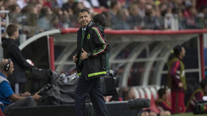 Juan Carlos Osorio puso a defensas centrales por la lateral, un error...