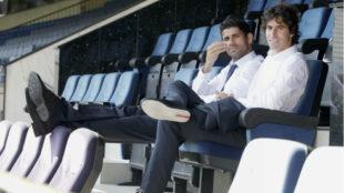 Diego Costa y Tiago, sentados en las gradas del Calder�n cuando...