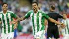 Ceballos celebra un gol con la camiseta del Betis la pasada campa�a
