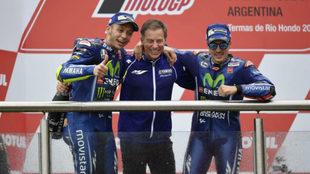 Lin Jarvis, junto a Rossi y Vi�ales en el podio del pasado GP de...