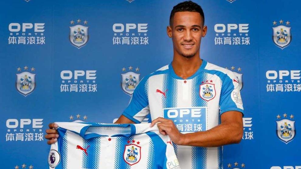Ince en su presentación con el Huddersfield Town