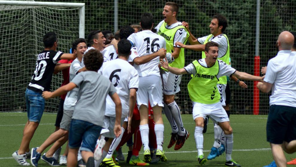 Los jugadores del Alcobendas Sport celebrando una victoria.