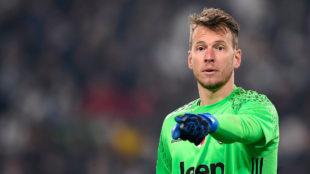 Neto en un partido con la Juventus