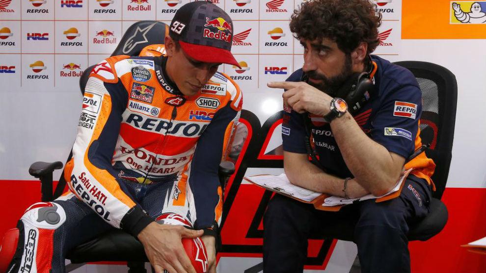 M�rquez y Santi, en el circuito de Losail en Qatar