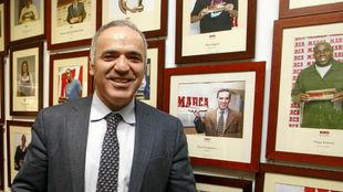 Kasparov durante una visita a MARCA en 2014.