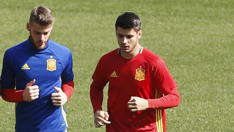 De Gea y Morata, durante un entrenamiento con la selección.