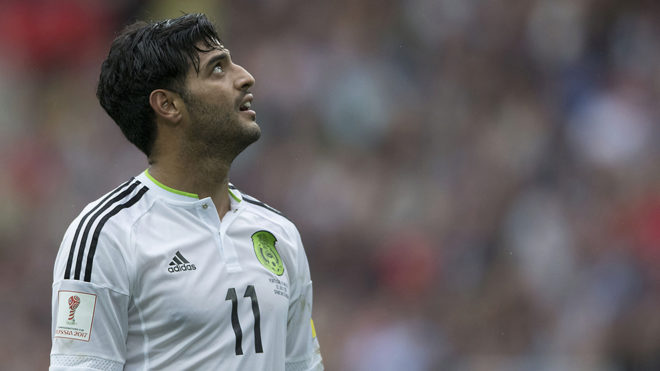 Carlos Vela en duelo contra Portugal
