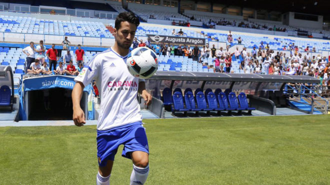 Jorge Casado (28), en su presentación con el Zaragoza la temporada...