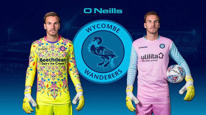 Así vestirán los porteros del Wycombe Wanderers inglés en la...