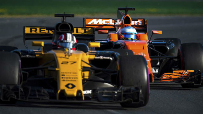 Hulkenberg, delante de Alonso en el pasado GP de Australia.
