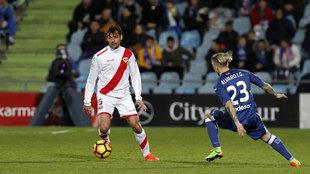 Dorado (35), en un partido entre el Rayo y el Getafe