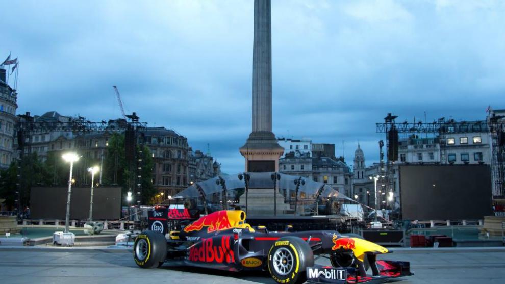 Un monoplaza de Red Bull en Trafalgar Square