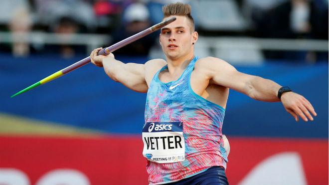 Vetter, en uno de sus lanzamiento en Lucerna.