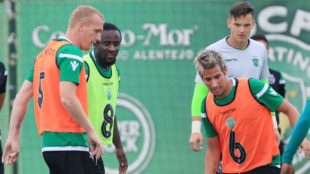 Mathieu y Coentrao han convencido a la prensa lusa.