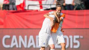 Dos jugadoras de Inglaterra tras caer eliminada en el Mundial de...