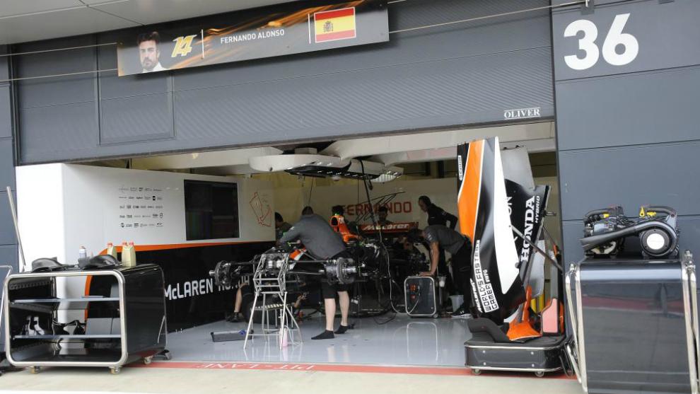 El box de Fernando Alonso en Silverstone.