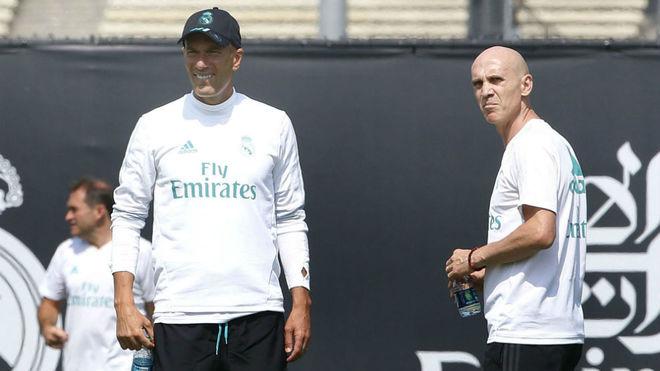 Zidane junto a Bettoni, en un entrenamiento en UCLA