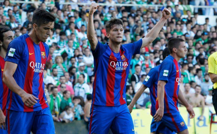 Jugadores del Barcelona B celebrando una victoria