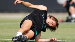 Modric realizando ejercicios.