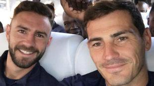 Layún con Casillas en el autobús del Oporto