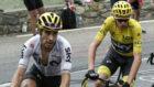 Mikel Landa tirando de Chris Froome en el Tour de Francia.