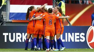 Las jugadoras de Holanda celebran el gol ante Noruega.