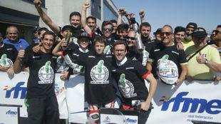 Iván Ortolá celebra el título