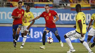 Iago Aspas (30) chuta a puerta en el amistoso que jugaron España y...