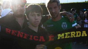 Coentrao, con la bufanda en contra del Benfica.