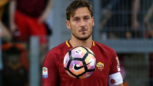 Francesco Totti podría retirarse definitivamente.